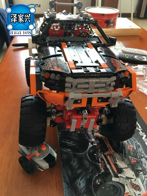 Technic Series 1386Pcs 4X4 Crawler Vehicles 3D Model Building Kit Blocks Bricks Toys Gift for Children Compatible Lepins