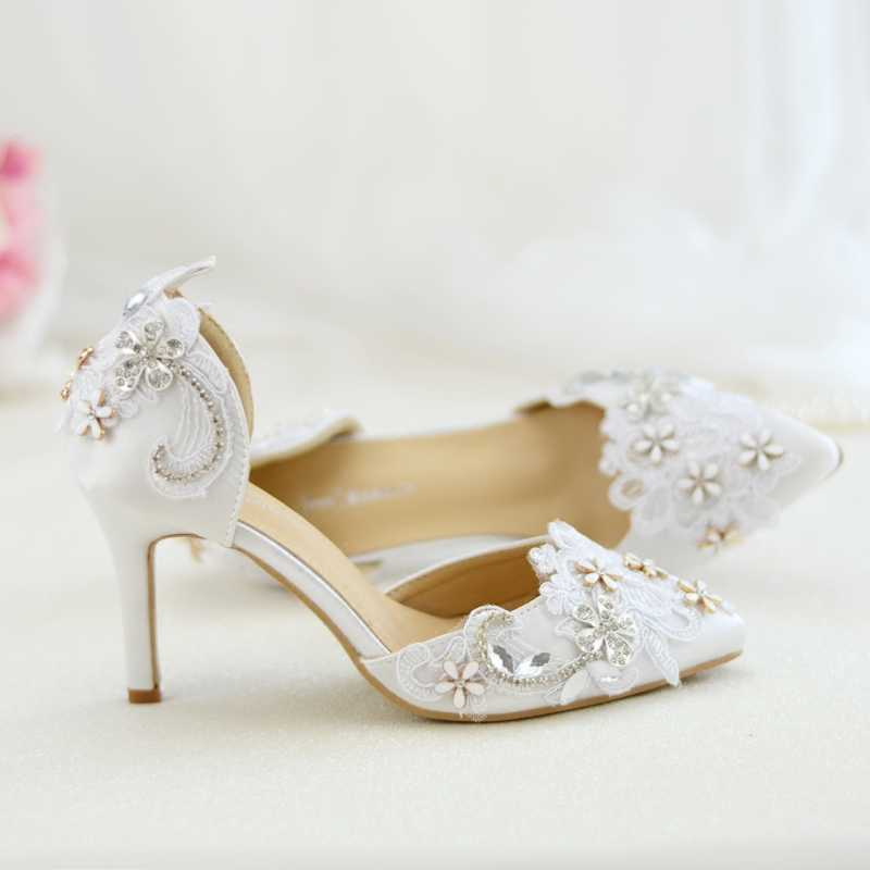 Female Sandals White Lace Metal Flowers Women s Shoes Wedding 2018 Autumn  New Style Bridal Pointed Toe b0aa452e0f59