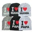 2016 Nueva Otoño Invierno Del Bebé del Algodón Caliente de Punto Beanie Hat Para niño Niños Del Muchacho Del Bebé Amo PAPÁ MAMÁ Bebé de la Impresión sombreros
