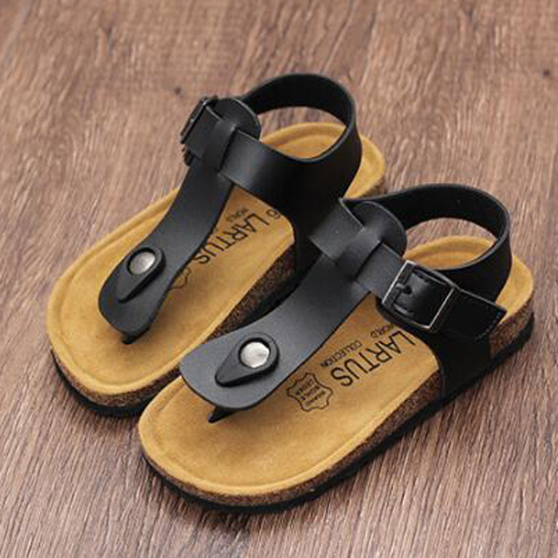 DJSUNNYMIX 2018 NEW Kids Flat Sandals Youth Casual Shoes Children Buckle  Beach Summer Genuine Leather Slippers Boy Girls-in Sandals from Mother   Kids  on ... fd3044933b8a