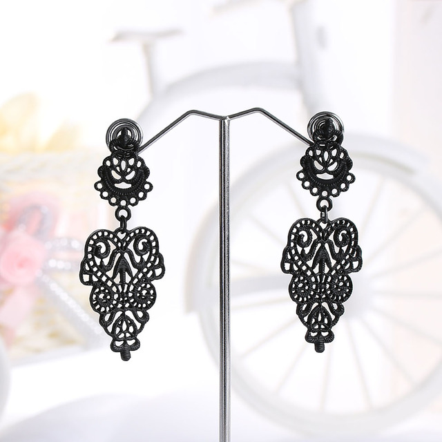 1 Pair 2017 Newest Special Simple Bohemian Long Dangle Earrings Charm Black Hollow Flower Alloy Ear Jewelry Nice Gift