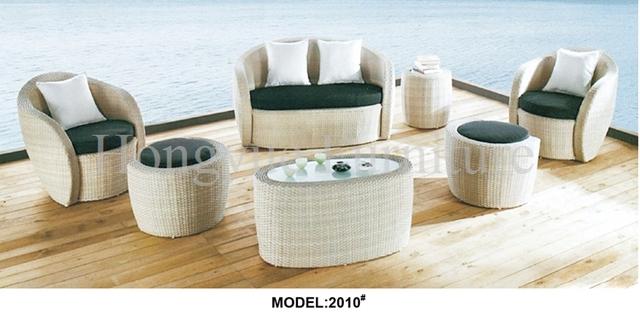 Blanco muebles de ratán sofá de jardín conjunto con cojines