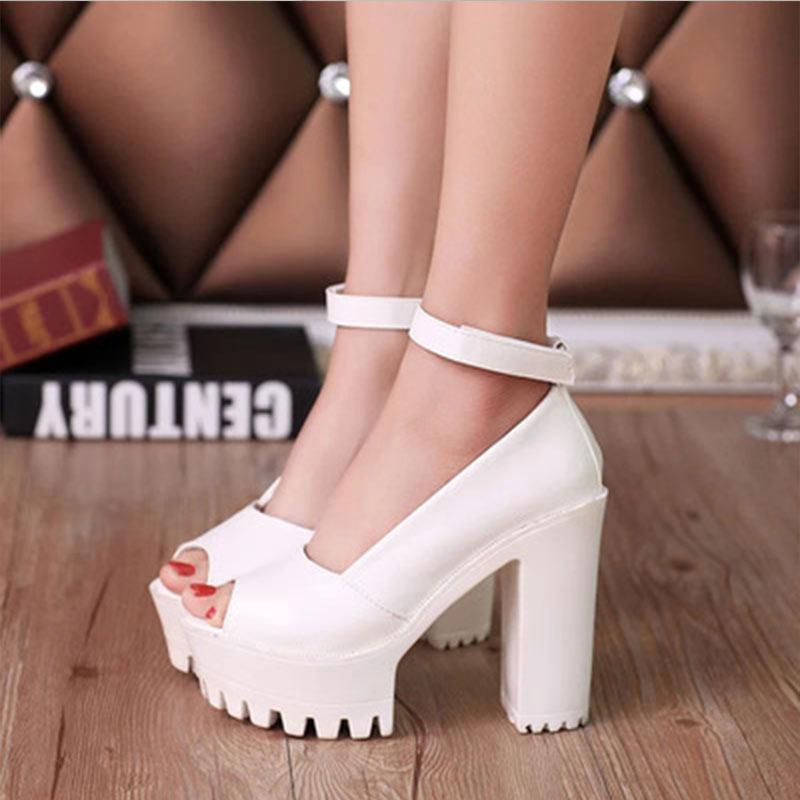 Mujeres Sandalias de tacón alto 2018 nueva primavera otoño casual zapatos de tacón alto sexy plataforma tacones gruesos bombas negro blanco sandalias