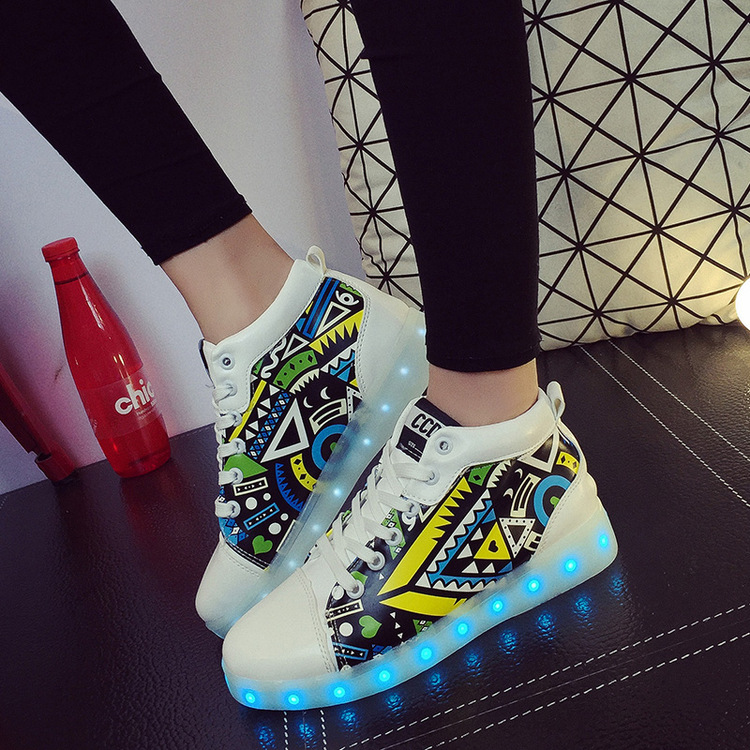 KRIATIV Girls Boys Luminous Glowing Sneakers Light Up Shoes Led Slippers Casual Shoes for Kids New Fashion Colourful Footwear joyyou brand boys girls glowing usb children luminous sneakers with light up led school footwear illuminated teenage kids shoes