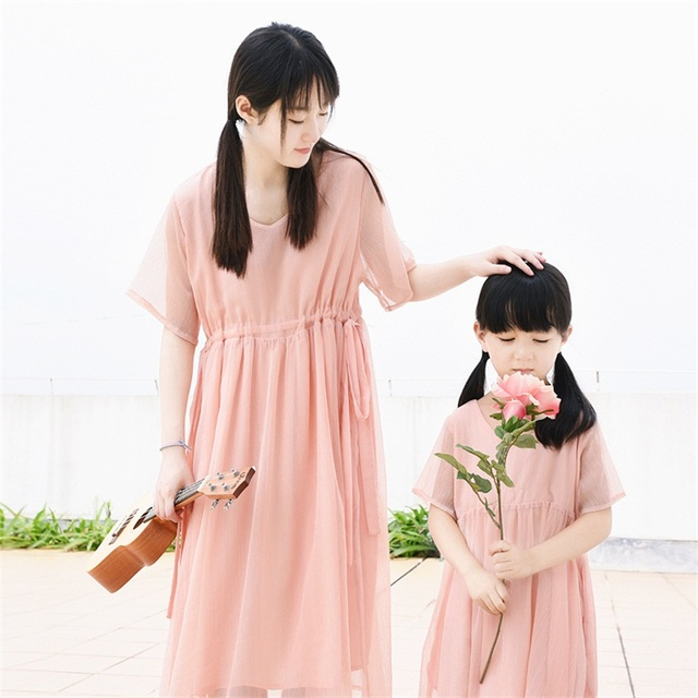 2017brand soft pink cotton waist belt children girls mom holiday dress family matching clothes mother and daughter beach dresses