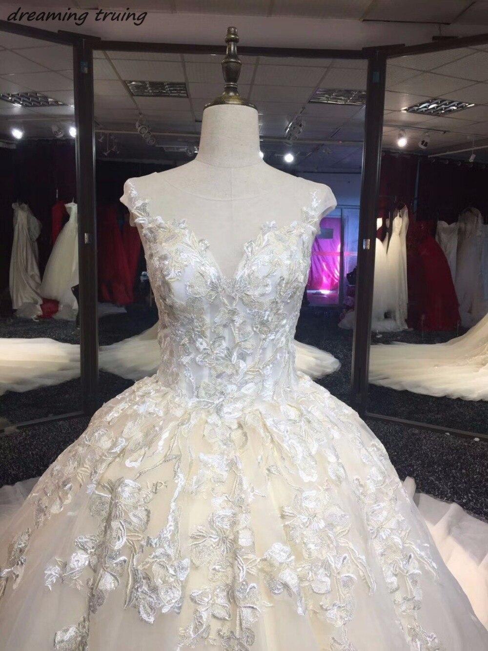 Реальные фотографии Роскошные бальные платья Свет Шампанское Свадебные платья с Кепки рукава длинным шлейфом Саудовская Аравия Стиль Свад