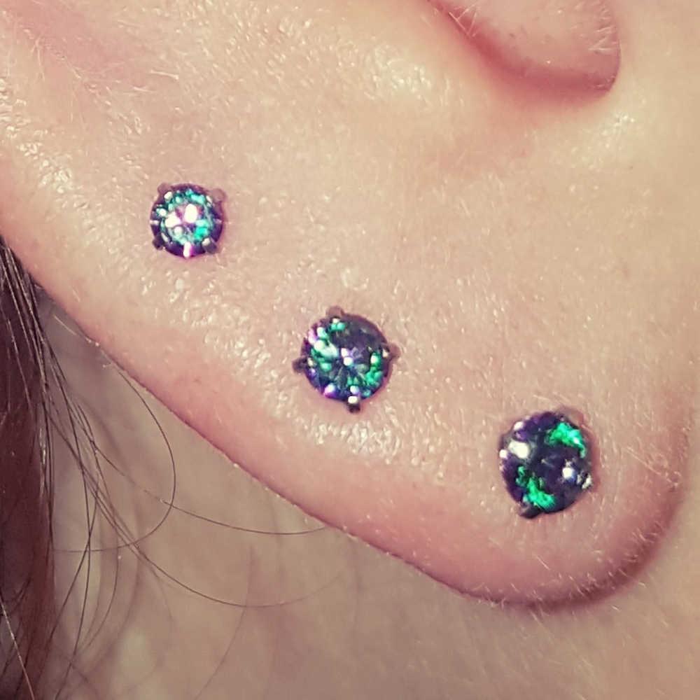BOG-80PCS ภายใน Threaded Prong ชุดอัญมณีหรือโอปอล Monroe Labret Lip Stud หูกระดูกอ่อน 16 กรัม Tragus Helix Ear Piercing ต่างหู