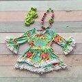 Девушки детские детская одежда шелк молока хлопок Осень-Зима белый оборками цветочные платья бутик flare рукавом соответствия лук и ожерелье