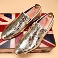 Inglaterra hombres Coreanos masculinos versioncasual personalidad remaches de oro brillante discoteca zapatos de los hombres zapatos de los planos de los holgazanes de cuero genuino
