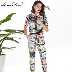 Image 4 - MoaaYina Mode Designer Set Sommer Frauen kurzarm drehen unten Kragen Perlen Floral Print Elegante Tops + 3/4 Bleistift hosen Set