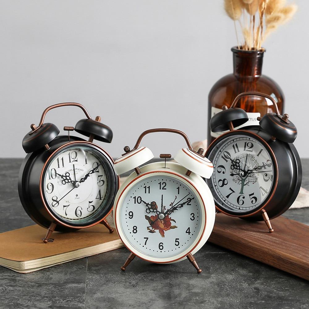Vintage Metal Alarm Clock Student Bedroom Mute Needle Night Light Clock 3 Inch Retro Pastoral Mini Simple Gets up Bell Clock