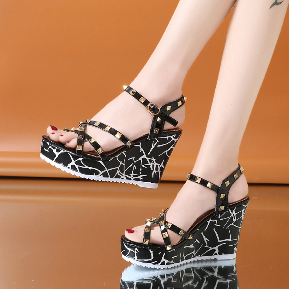 Zapatos Mujer 2018 Shoes Woman Sandals Wedge Summer Lady Fashion High Heels Sandals Elegant Rivets Women Shoes Platform Wedges 34