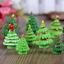 ZOCDOU 1 Piece Merry Christmas Tree Day Russian Spain Canada France Israel Small Crafts Garden Ornament Miniatures Home Man DIY(China)