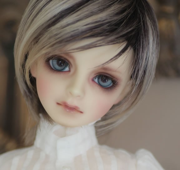 Flash sale !free shipping and makeup and eyes ! top quality 1/4 bjd Doll sd Super Dollfie Volks sd Class A small version pair of elegant faux white jade hoop earrings for women page 2