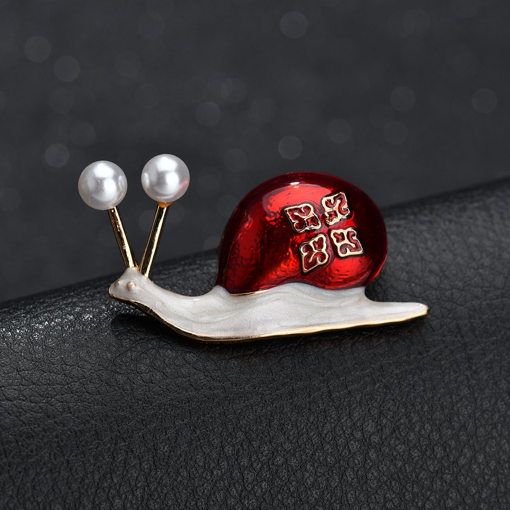 Terreau Kathy Enamel Snails Brooches Pins For Women Simulate Pearls Suit Hats Scarf Suit Insect Brooch Clothes Accessories