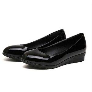Image 3 - حذاء عمل كوري جديد ، حذاء أسود اللون ، حذاء عمل مستدير مناسب لجميع المباريات