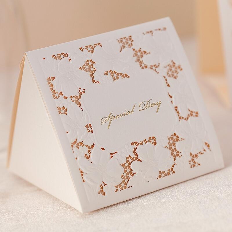 50 pcs/pack blanc boîtes de faveur de mariage boîte de bonbons de mariage Casamento faveurs de mariage et cadeaux fournitures d'événement et de fête