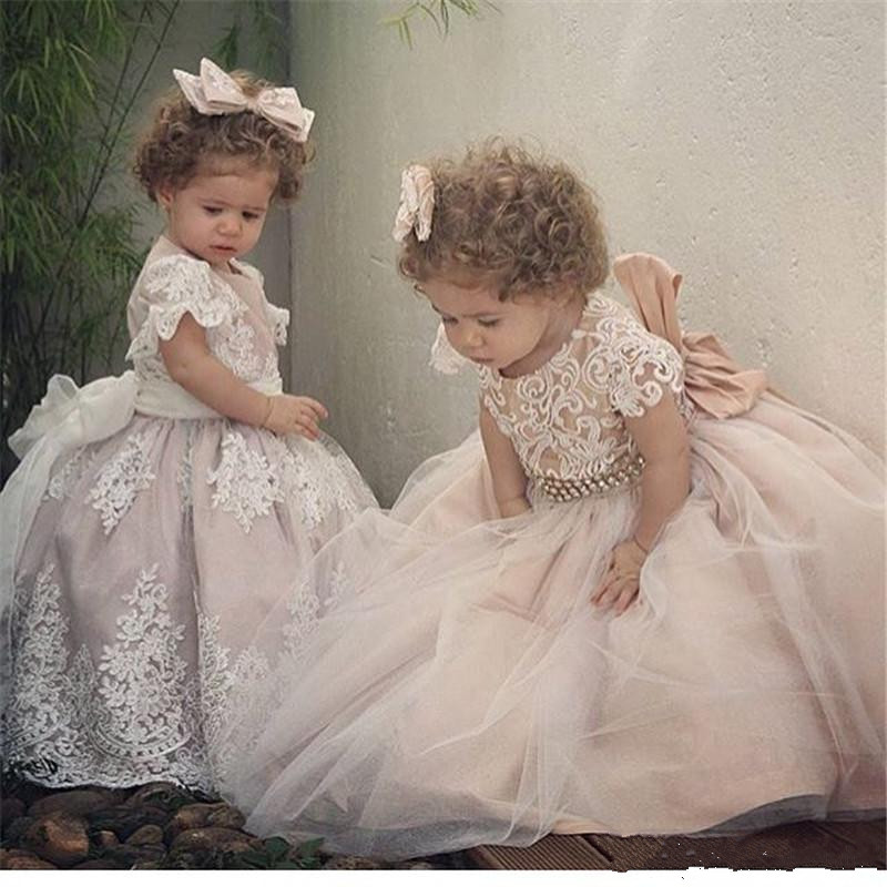 White Sweet Ball Gown Flower Girl Dresses Lace Appliques Tulle Cheap Little Girls Bridesmaid Gown Custom Any Size adorable fuchsia kids flower girls dresses 2018 long sheer jewel neckline lace satin ball gown custom any size