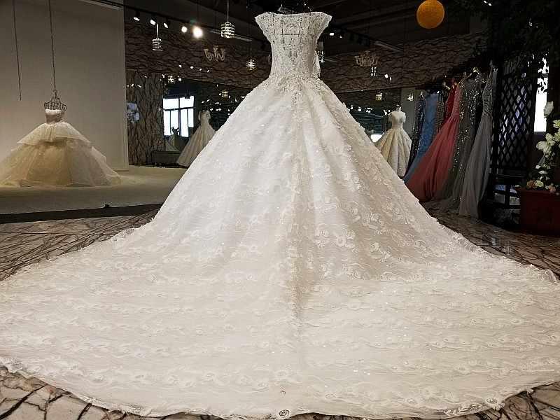 LS21654 2018 новый белый атлас с кружевом большой юбкой с коротким рукавом совок шеи bodas корсет сексуальное прозрачное свадебное платье назад