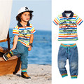 Nuevos niños que arropan verano estilo Europeo y Americano de los niños sistema de la ropa Del Arco Iris de rayas camisa de Polo + jeans 2 unid conjuntos