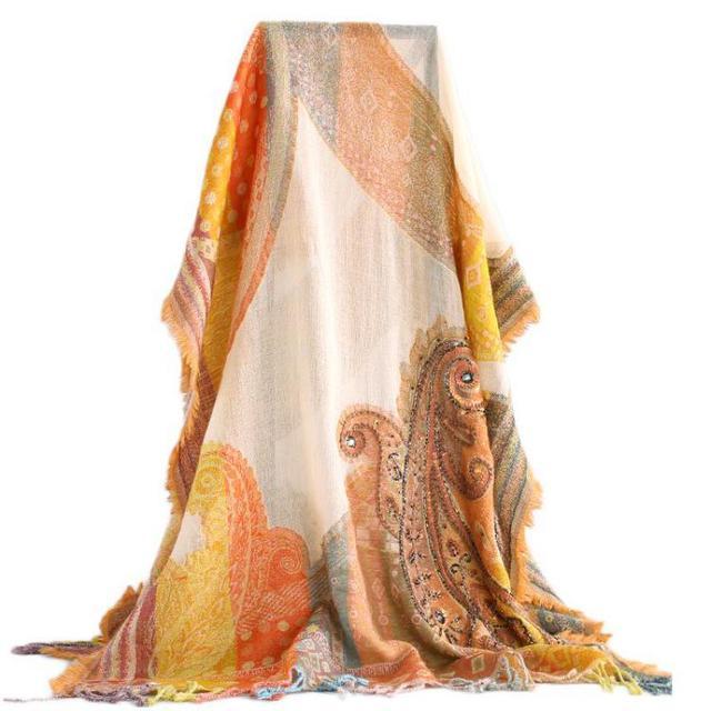 Mujer hecha a mano exquisita cuentas lentejuelas chales bufanda borlas elegante Echarpes Cachecol femenino India estilo nacional envoltura Pashmina