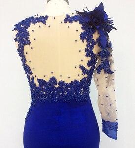 Image 5 - Une épaule longue élégante robes de soirée sirène avec manches perlées bleu Royal robes formelles saoudien arabe robe de soirée
