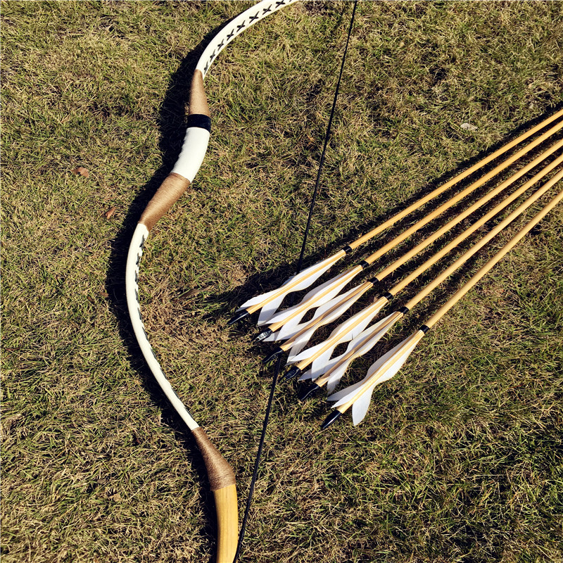 The traditional handmade bow bow entry level 6 wooden arrow practice archery hunting