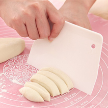 Plastic Pastry Dough Cutter for Fondant Cake Decorating Tools Spatula Baking Scraper Kitchen