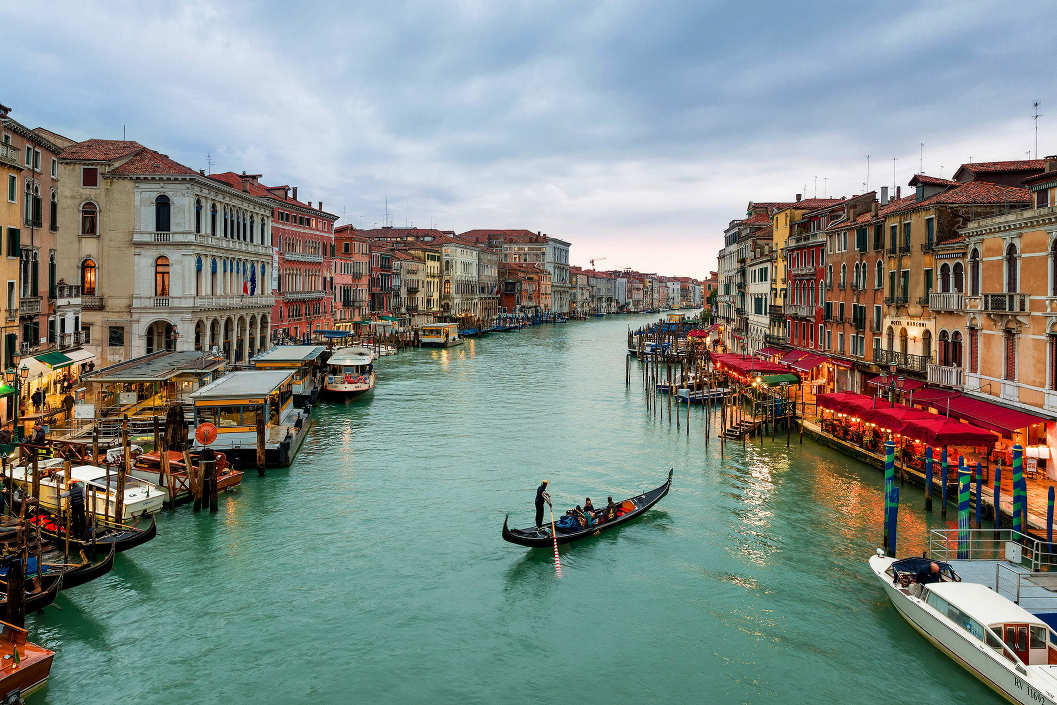 Italien Venezia Canal Grande boote häuser sea sky wohnzimmer decor ...