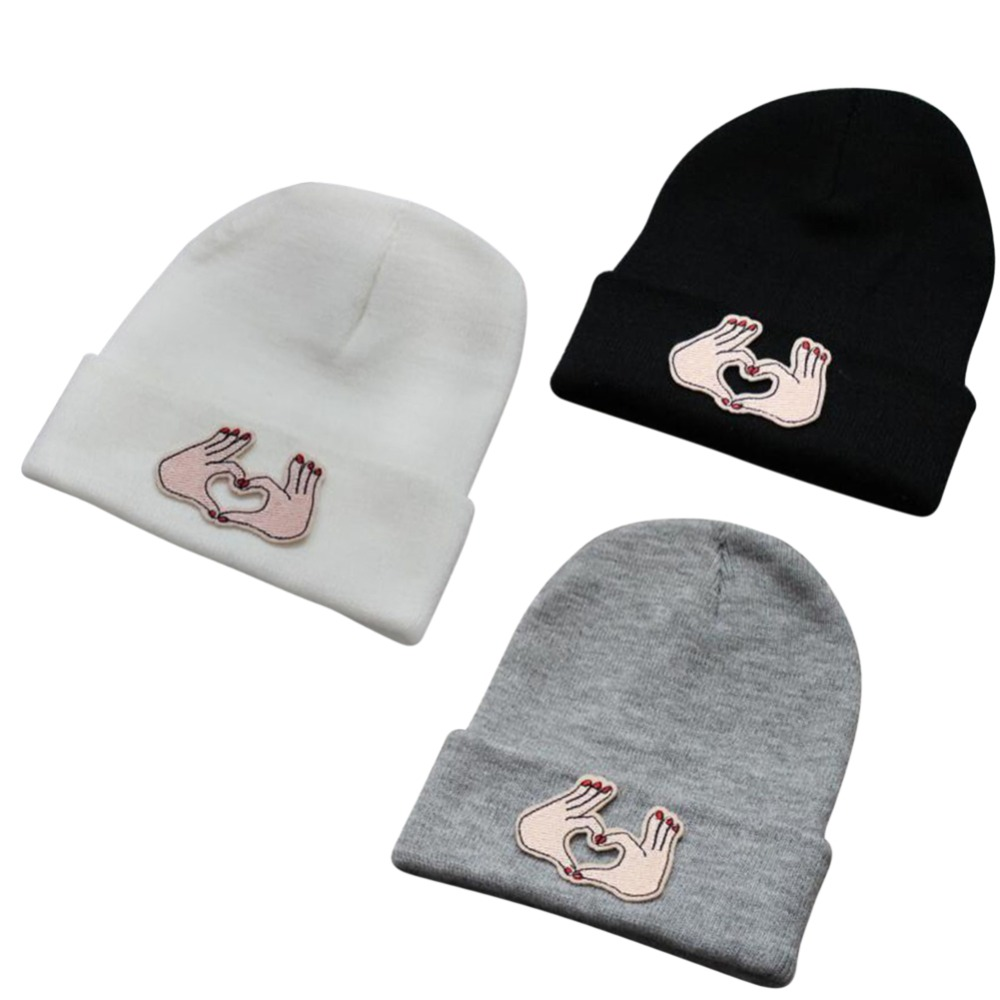 Cheap Unisex Embroidered Cloth Sticking LOVE Pattern Manual Knitting Hat Fashion Cartoon Skiing Knitting Wool Hat the new children s cubs hat qiu dong with cartoon animals knitting wool cap and pile