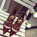 Осенняя обувь женские 2016 Вино красный крест ремни острым носом туфли на высоком каблуке заклепки тонкие каблуки сексуальная обувь