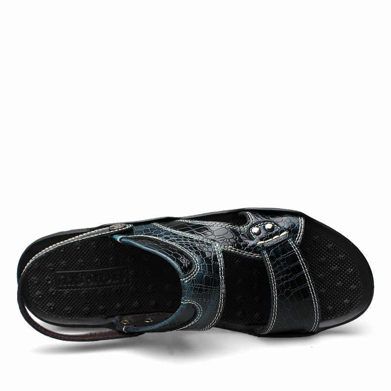 2018 Yaz Yeni Erkek plaj sandaletleri Slip-On Masaj Katı Anti-Skid Adam Flats Moda Tasarım Yumuşak erkek ayakkabıları Yürüteç tepe