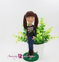 2019 AMAZING CAKE TOPPER Toys Lively and cute playful girl sculpture And Groom Gifts Ideas Customized Figurine Valentine's Day
