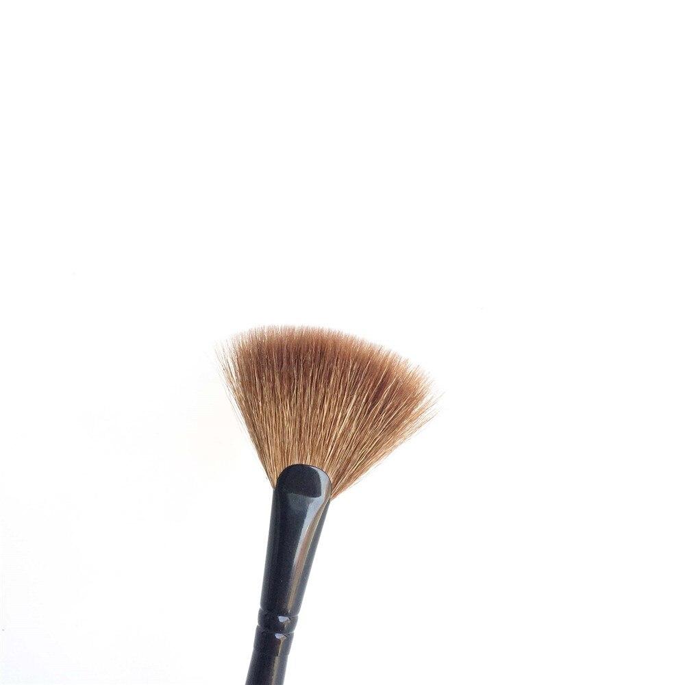 Brush 15 Fan Brush _ 3