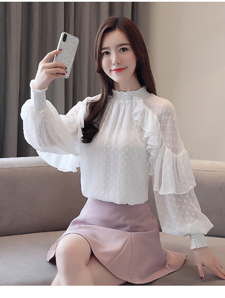 Lace shirt female long sleeve 2019 spring new Korean version of the loose bottoming shirt women