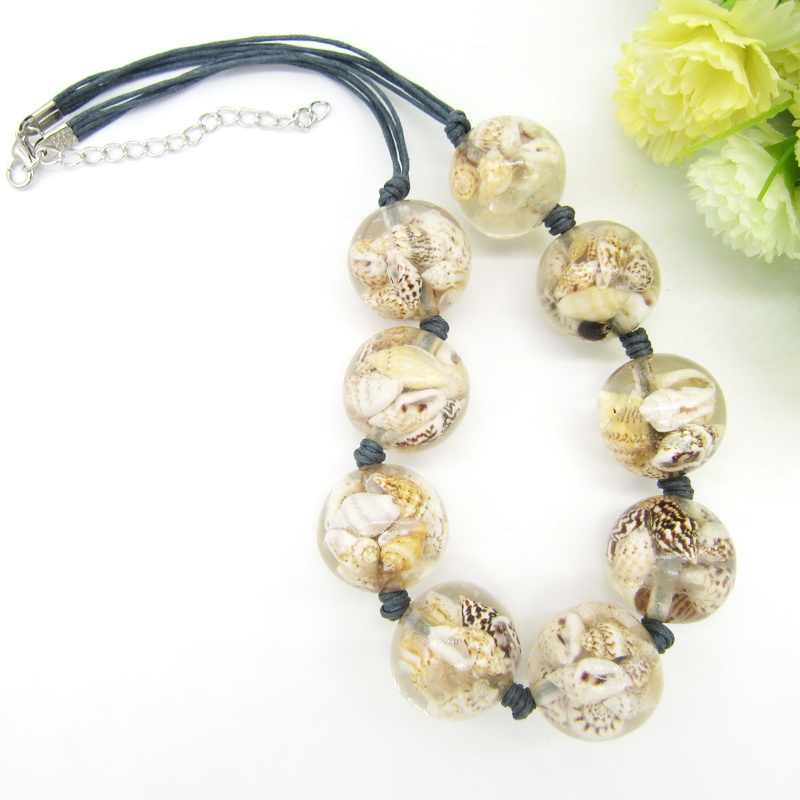 Newest Item Nature Shells Inside the Transparant Round Beads Female`s Short Necklace