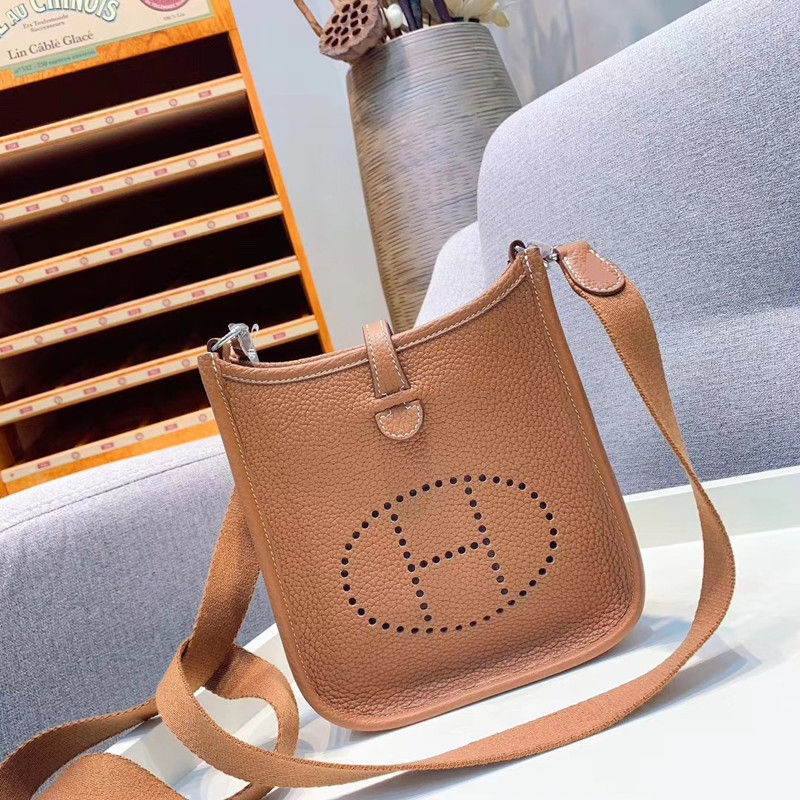 20190520009 2019 genuine leather luxury handbags women bag runway desigin female Europe brand top quality free shipping of dhl20190520009 2019 genuine leather luxury handbags women bag runway desigin female Europe brand top quality free shipping of dhl