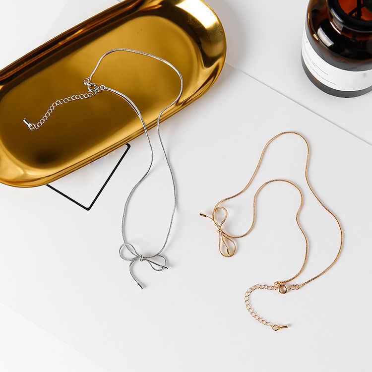 d918d97c99d6f9 2018 Fashion Simple Design Fine Collar Bowknot Short Choker Necklace  Personality Neck Strap for Women Jewelry