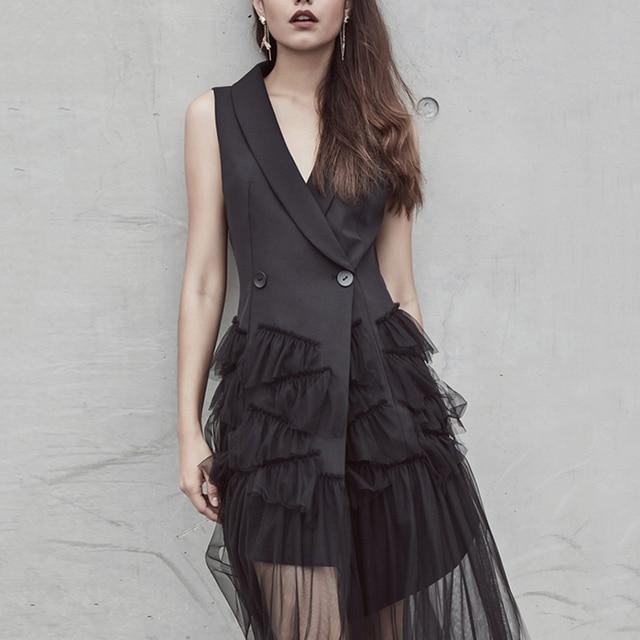 Black Midi Blazer