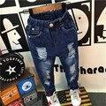 Crianças Buraco Calças Jeans 2016 Outono Nova Bebés Meninos Meninas Hip-pop Estilo Lápis Calças Causais Das Crianças Calças de Brim