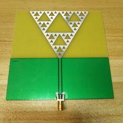 Radio frequency antenna, UWB antenna, fractal antenna, art antenna