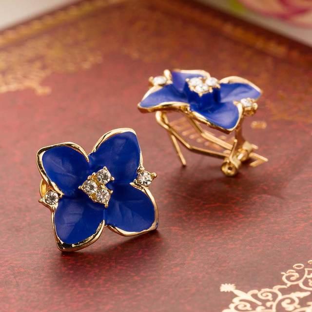 Blue flower gold earrings