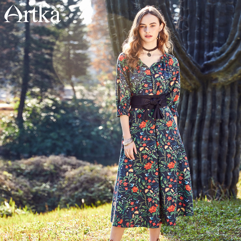 Artka New Summer Bohemian Holiday Half Sleeve V-neck Detectable Sashes Floral Print Empire Long A-line Dress LA10087C