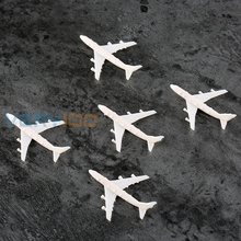 5pcs Plastic White Airliner Airplane Landscape Scenery Tiny Figure font b Toy b font