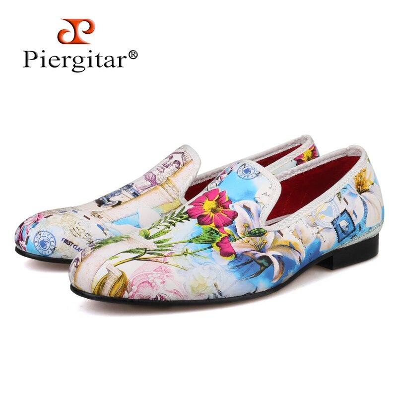Piergitar สไตล์ใหม่ดอกไม้รูปแบบการพิมพ์สีขาวผู้ชาย loafers งานแต่งงานและพรรคผู้ชายรองเท้าชายรองเท้าแตะรองเท้าแตะ-ใน รองเท้าลำลองของผู้ชาย จาก รองเท้า บน   1