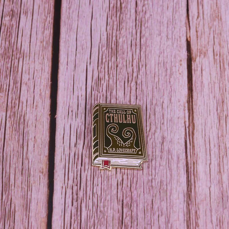 Call Of Cthulhu Pin Buku Sastra Lencana Lovecraft Bros Keren Kutu Buku Hadiah