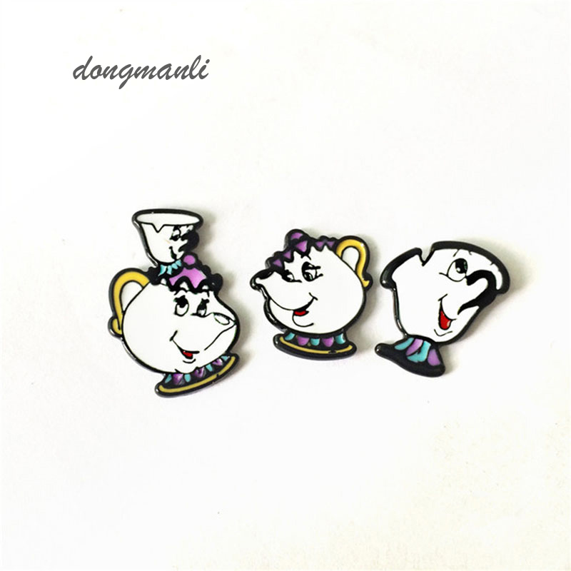 W0832 1 pair anime kecantikan dan binatang Mrs Potts Dan Chip cup Earrings cosplay dekorasi anting Wanita