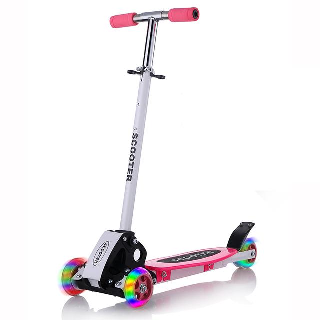 2016 Nova Real Crianças Luz Criança de Quatro Roda Redonda Roda de Scooter Bicicleta dobrável Bloco de Slides Brinquedos Ao Ar Livre do Flash 4 Rodas 2-15years bicicleta