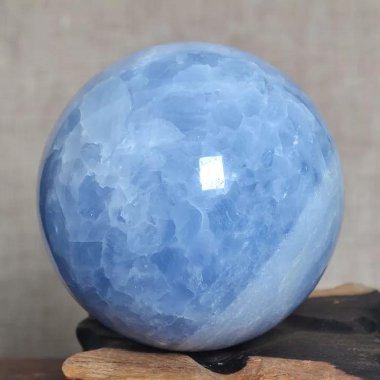 5-10cm esfera de cristal celestine azul natural de madagascar para venda
