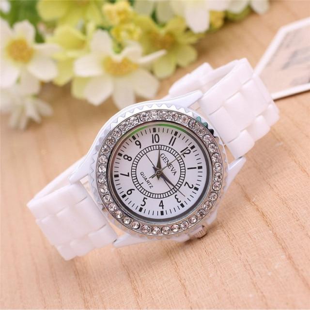 8fd0c97292d Marca de luxo de Genebra Strass Silicone Watch Mulheres Senhoras Vestido De  Cristal de Quartzo relógio